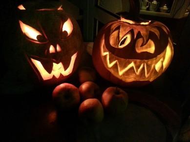 Halloween, Kürbisgericht Zubereitung, Restaurant Zingster Kaffeepott
